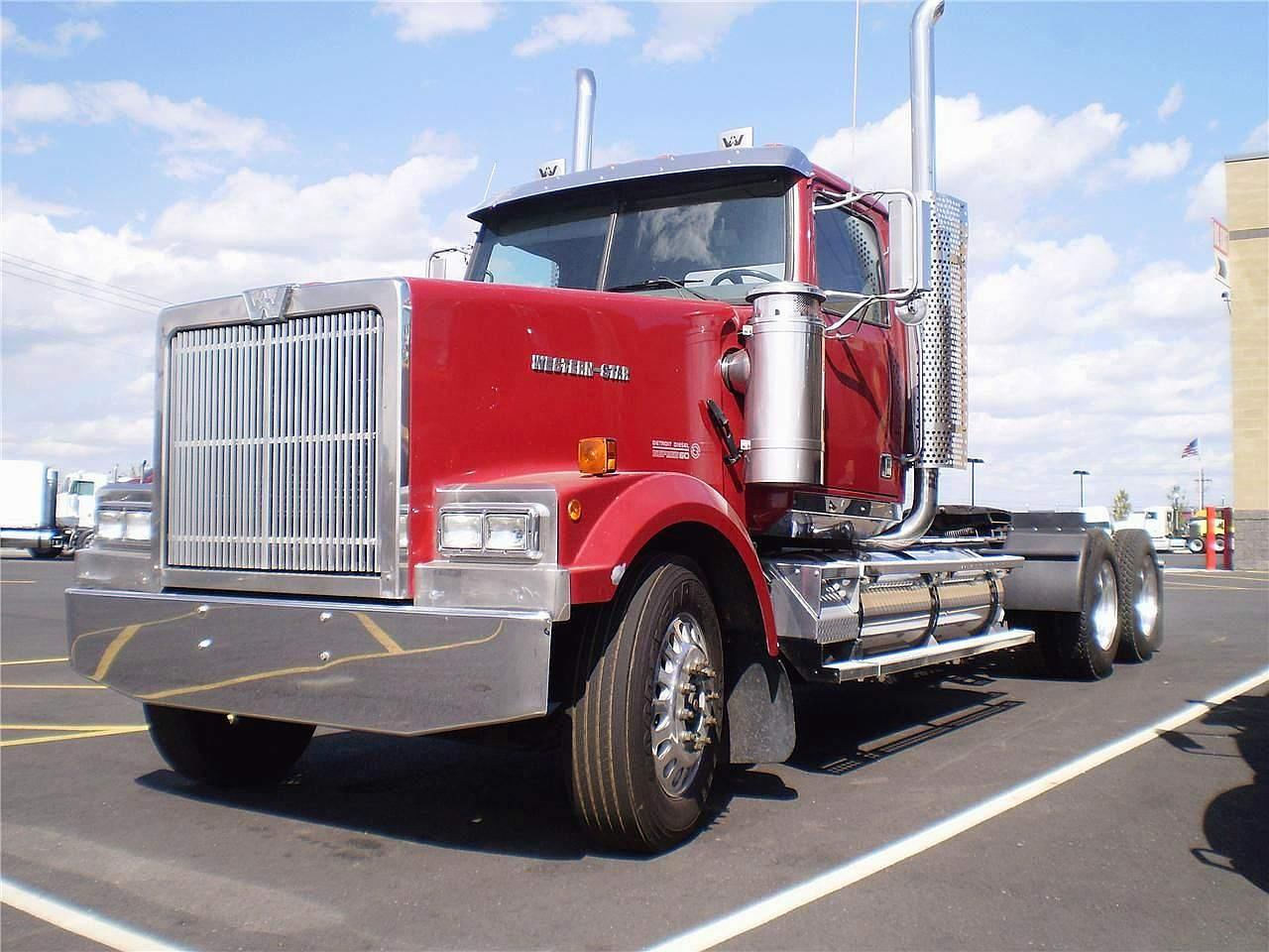 Living The American Dream together with 2006 Peterbilt 379 Headlight Wiring Diagram additionally Custom Trucks as well 162046085043 further Webcart productDisplay. on kenworth headlights